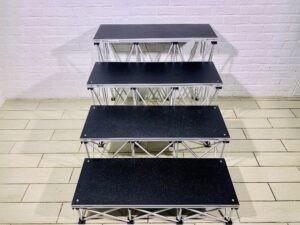 Прокат ступенек для подиума Intellistage 20, 40, 60 и 80 см